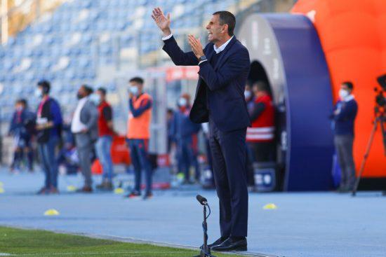 """Presidente de la UC pone las manos al fuego por Gustavo Poyet: """"El apoyo  está siempre al técnico"""" - Central ✪ Deportes"""